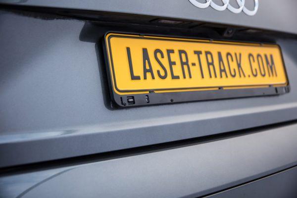 Lasertrack Flare Einbau Nummernschild